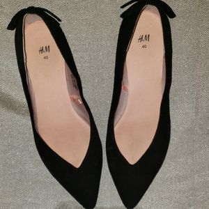 Black H&M Pointed Toe Flats